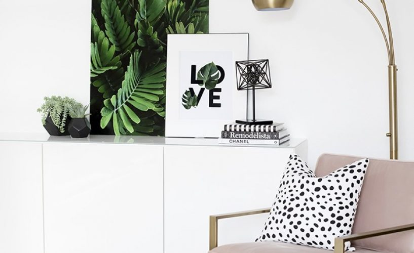 8 STYLISH WAYS TO DISPLAY YOUR BOOK